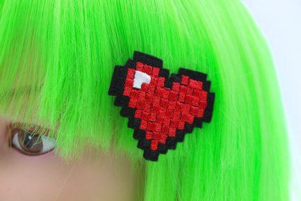 8 bit pixel heart hair clips
