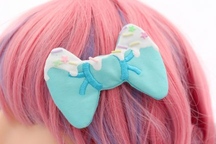 Kawaii Frosted Decoden Hair Bow Blue