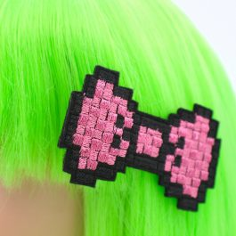 80s Kids Fashion – Pink Pixel Hair Bow Clips